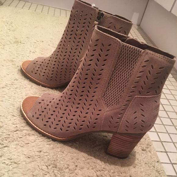 a6c655b4aad NWT TOMS Women s Majorca peep toe bootie size 7